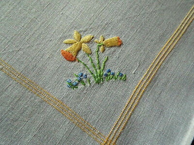 6 old/vintage napkins with hand embroidered with sweet daffodil design to corner