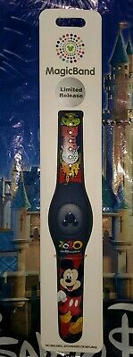 NEW Disney Park Icons Mickey Mouse 2020 Magic Band LR LINKABLE