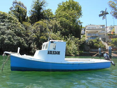 Classic putt putt 18ft glassed can take outboard (SydneyHarbour) No Reserve!!!!!