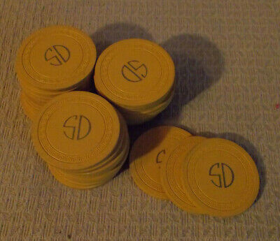 S D  CASINO LOT OF 33 NO CASH VALUE SHOWN hotel casino hotel gaming poker chips