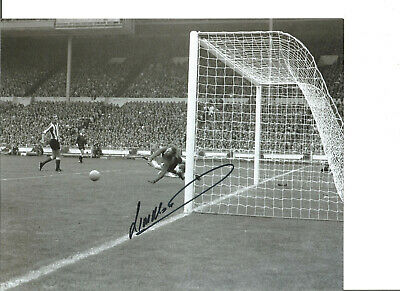 Football Autograph Jim Montgomery Sunderland FC Signed 10x8 in Photograph JM180