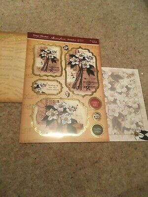Hunkdory Kit - Winter Berry Bouquet - Die Cut Topper Sheet & 2 Backing Cards