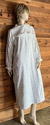 Vermont Country Store White Floral Size Small Flannel Nightgown   #10551
