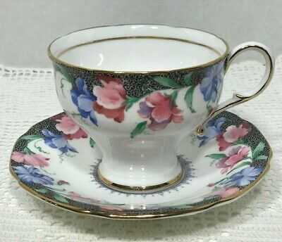 PARAGON SWEET PEA Tea Cup and Saucer  MINT!