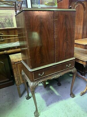 Vintage Drinks Cabinet Standis Flamed Mahogany Melbourne Chippendale Style