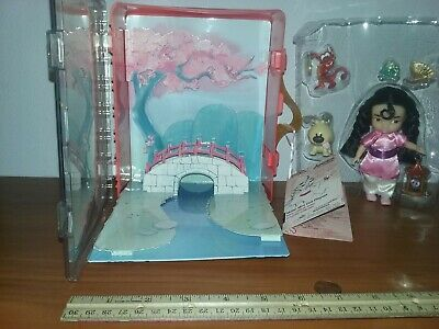 Disney Animators Collection Mulan Princess Mini Doll Play Set Mushu Cri-Kee Dog