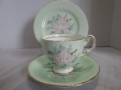 AYNSLEY TRIO TEACUP SAUCER, 6.25 BISCUIT PLATE MINTY GREEN w LEAFY DESIGN
