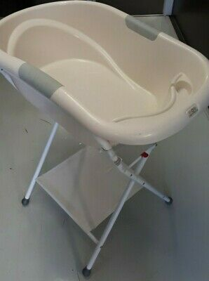 Roger Armstrong Oasis Baby Bath and Stand