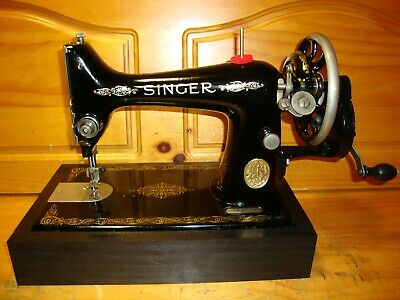 1933 Antique Singer Sewing Machine,  Model 99K, Hand Crank, Serviced