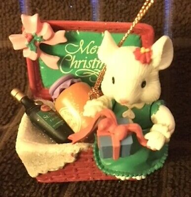 NEW Vintage Christmas Mistletoe Magic Collectable Ornament Mouse in Basket