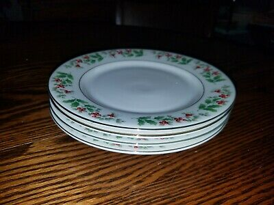 4 Gibson Everyday Christmas Charm Holly Berry Luncheon Plates 7.75 Inch Diameter