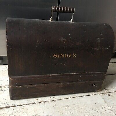 Vintage Singer Sewing Machine In Wooden Case Non  Tested parts?