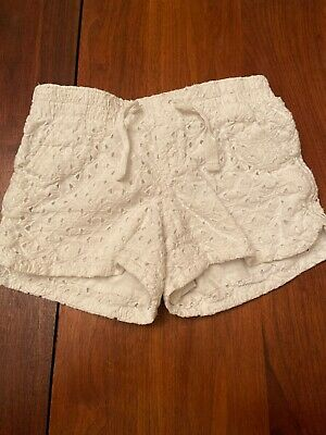 Old Navy Girls White Lace Shorts. Size M (8). Preowned In Good Condition