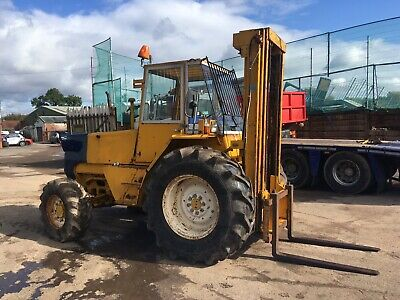 Rough Terrain 4wd Forklift In Very Good Condition