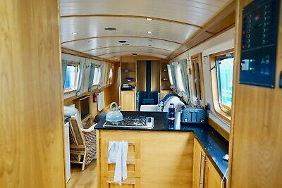 TYLERI - a High-spec 57'' x 9' Liveaboard Widebeam with Euro Cruiser Stern
