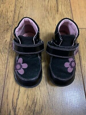 Girls Clarks Black Shoes Boots 5.5F Toddler Kids Flower First Shoes