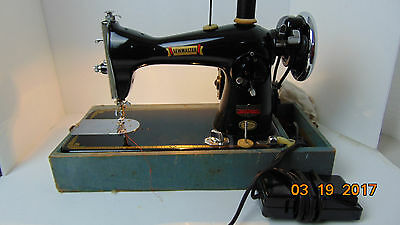 Vintage SEWMASTER Precision Sewing Machine with CASE