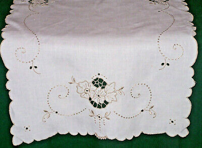 """FABULOUS MADEIRA EMBROIDERED LINEN RUNNER, LACE TRIM, 33"""", EX. CONDITION, c1930"""