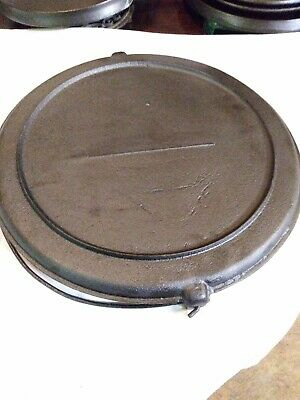 1800's Antique Unmarked Round Cast Iron Griddle with Bail Handle and Gate Mark