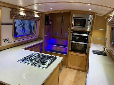 Grey Dawn - a High-spec 60' x 9' Liveaboard Widebeam with Euro Cruiser Stern