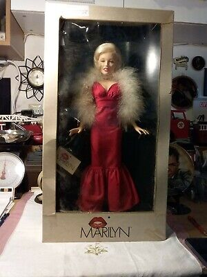 "Marilyn Monroe 1983 18"" Porcelain Doll (Red dress) World Dolls ."