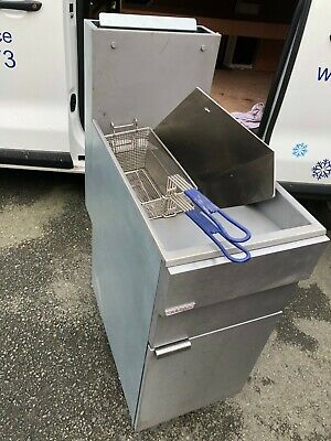 Hobart Hobart Commercial NYGF400 Gas 4 Tube Freestanding Fryer – 25 litre