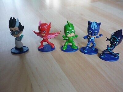5  PJ Masks  action figures around 3 inch high by frog box one