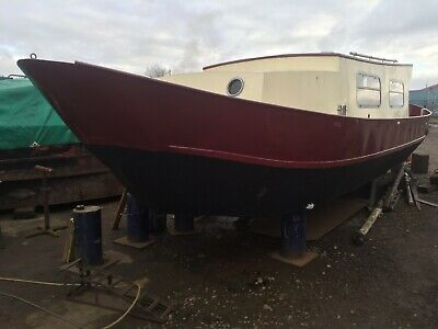"SLIPPER  -  30' 6"" x 9' All-Steel Dutch Barge"