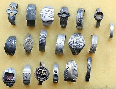 JOB LOT OF 19 AUTHENTIC MEDIEVAL SILVER RINGS (Lot 8)