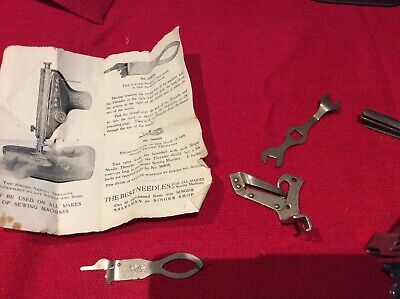 VINTAGE Singer Sewing Machine Feet.  Needle Threader With Instructions.etc