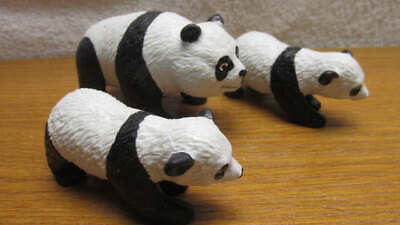Plastic Toy Panda Bear with 2 Cubs