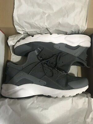 Men's Nike Huarache (Dark Grey/White Size 10)