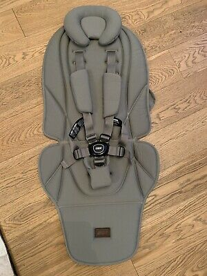 Mamas and Papas Ocarro Pram Olive 5 Point Harness, Mat and Cup Holder