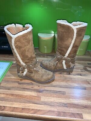 Girls M&S Marks & Spencer Winter Cosy Warm Boots Size 1 Immaculate Shoes