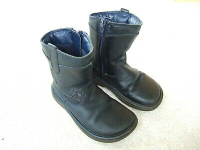 Girls Clarks leather boots / shoes size infant 6.5