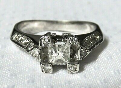 Beautiful 18K Solid White Gold 0.86 TCW Diamond Ring 6.4 Grams Size 6.75