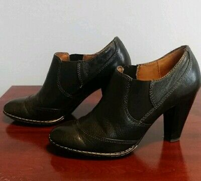 Sofft Brand Genuine Leather Ankle Boots in Black Size 8.5