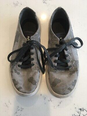 Under Armour Kids Sneakers Size 1 Camo Boys
