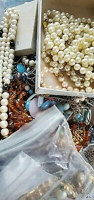 ESTATE VINTAGE/ NOW JEWELRY LOT EARRINGS NECKLACES READY TO WEAR NO JUNK 7 pc