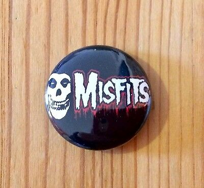 MISFITS (BAND) - BUTTON PIN BADGE (25mm)