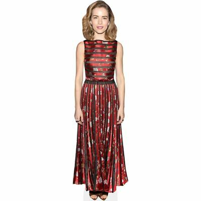 Willa Fitzgerald (Red Dress) tamano natural