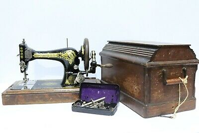 Antique SINGER 28K 1913 Black/Gold Manual Sewing Machine with Coffin Case  - 250