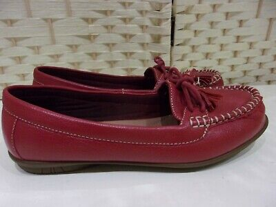 Ladies size 5 wide EXF wine leather Hotter Honiton shoes.