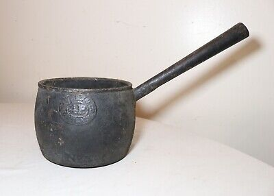 rare antique 18th century 1700's thick cast iron No 5 cooking pot with handle