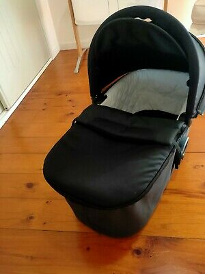 Baby Jogger Deluxe Bassinet - fits City Mini/Elite/GT, Versa, Summit models.