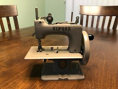 Vintage Singer Mini Sewing Machine, Hand Crank, Child's Miniature