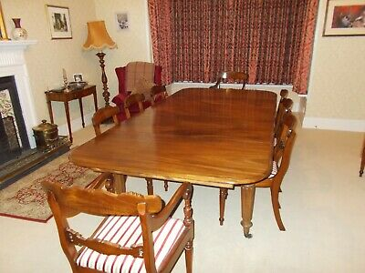 A William IV Mahogany Dining Table and 10 Chairs