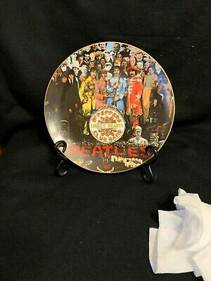 """The Beatles Collector Plates, """"Sgt. Pepper-The 25th Anniversary """" with stand"""