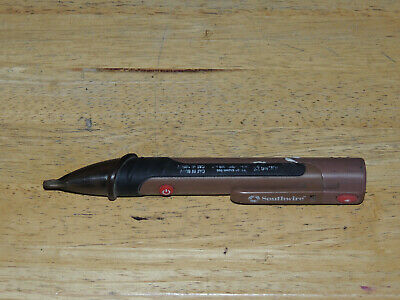 Southwire 40130N Dual Color AC Voltage Detector Flashlight