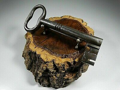 Large Antique Key,Made 19Th Ct,Wrought Iron,Rustic,Lock,Door